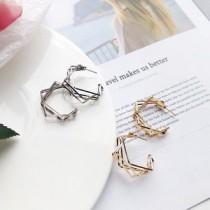 韓國南大門商圈熱銷款NO.1 個性風歐美風格不規則幾何耳環 2色