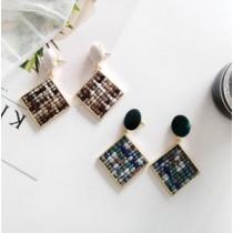 韓國南大門商圈熱銷款NO.1 絨布圓扣搭配方型幾何針織拼色造型耳環&耳夾 3色 超精緻!!!