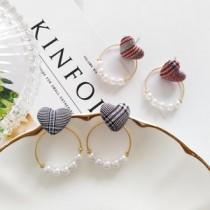 韓國南大門商圈NO.1 愛心英格蘭格紋拼接珍珠圓圈氣質耳環&耳夾 2色
