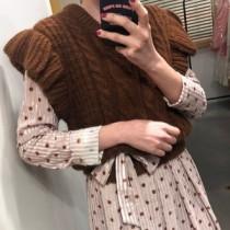 韓國東大門韓系復古V領顯瘦甜美針織麻花編織荷葉邊毛衣背心 2色