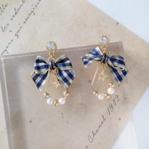 韓國南大門商圈熱銷款NO.1 精緻英倫風水鑽 珍珠 小星星~格紋蝴蝶結 耳環&耳夾 2色