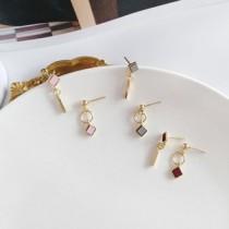 韓國南大門商圈熱銷款NO.1 小巧甜美拼色不規耳環&耳夾 3色