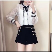 韓系法式宮廷風立領蝴蝶結珍珠扣質感設計蕾絲襯衫