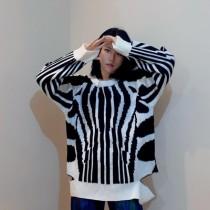 韓國東大門~設計首爾熱賣款✿個性斑馬紋寬鬆破洞針織毛衣✿超俐落有型~☁ 約會~旅遊~上班~必備 ◙ ◚ ◛